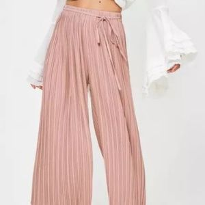 Missguided NWT Pleated Culottes